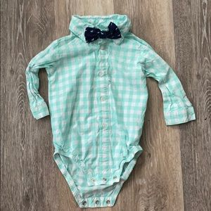 Carters nine month baby onesie with bow